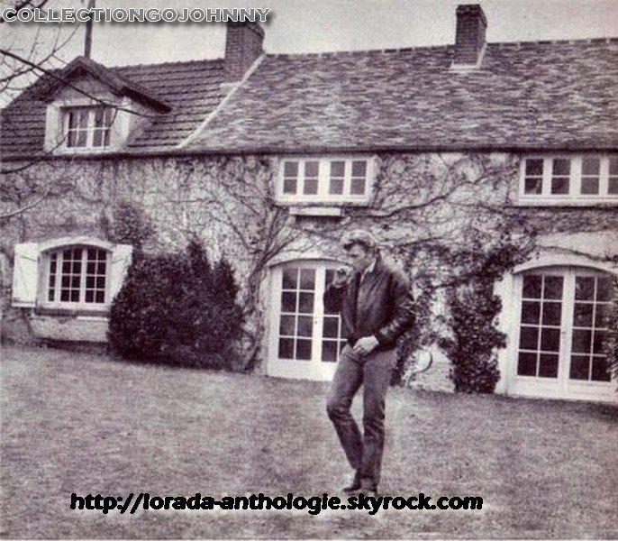 PROPRIETE OU A RESIDE JOHNNY HALLYDAY 'GROSROUVRE ( 1963-1965 ) 210311021421716018