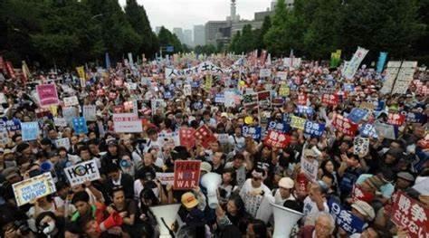 Manifestation à Nijuro contre le général