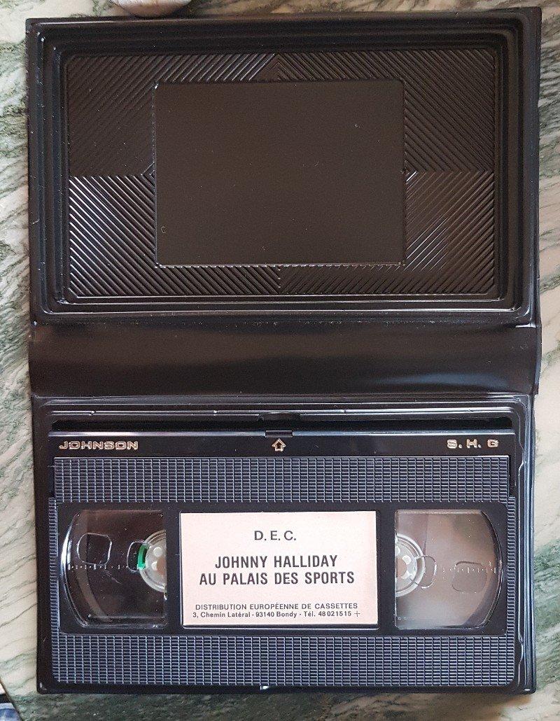 Pour la rubrique Vidéographie (VHS) du site  210417115725624970