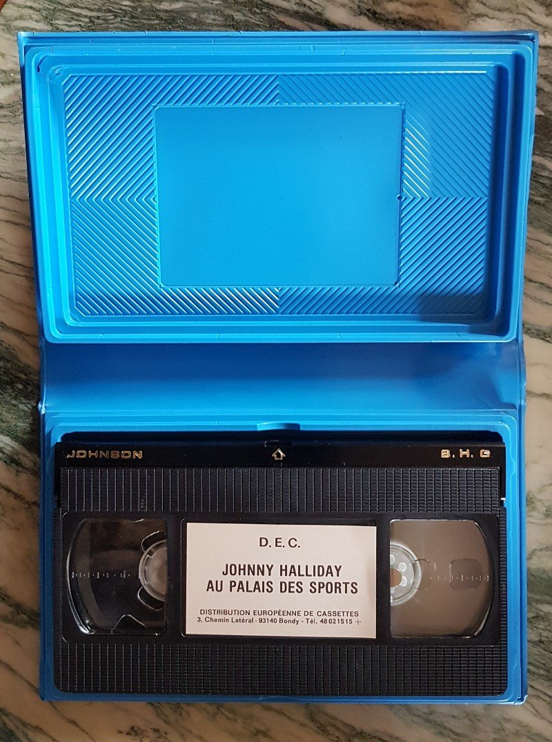Pour la rubrique Vidéographie (VHS) du site  210417115727996265