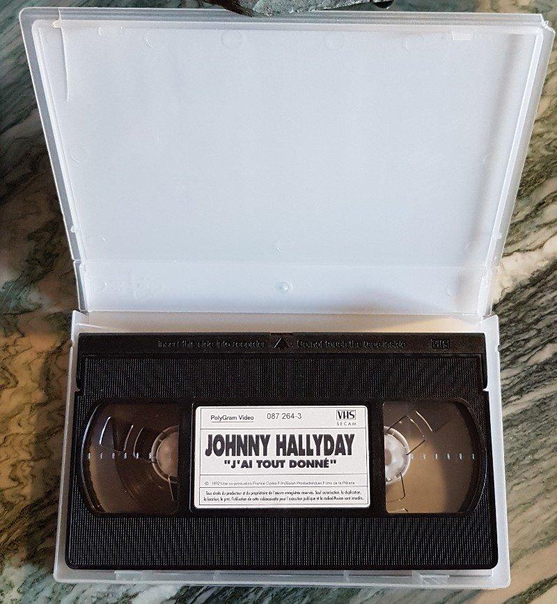 Pour la rubrique Vidéographie (VHS) du site  210424090600308184