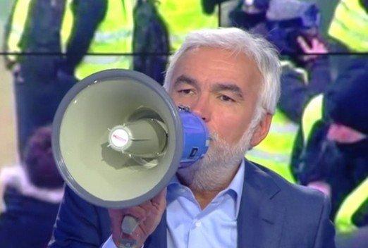 """Dom Juan Altarini, patricien affilié à la faction des héritiers lors de la dernière édition de son émission télévisé """"L'heure des comptes"""""""