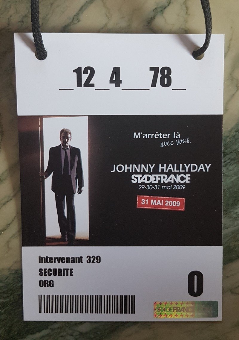 LES CONCERTS DE JOHNNY 'STADE DE FRANCE 2009' - Page 2 210507083734414546