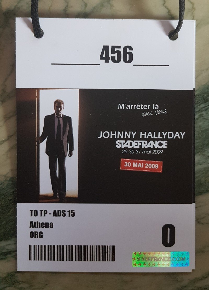 LES CONCERTS DE JOHNNY 'STADE DE FRANCE 2009' - Page 2 210507083734726595
