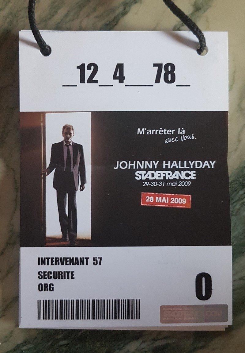 LES CONCERTS DE JOHNNY 'STADE DE FRANCE 2009' - Page 2 210507083735757624