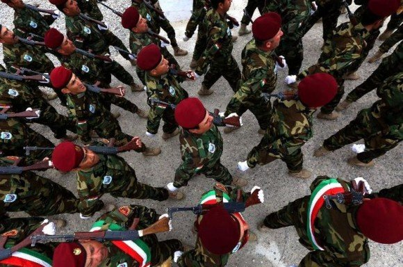 Armée qui défile
