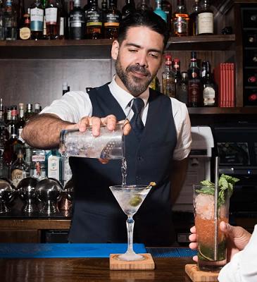 Joseph, le barman