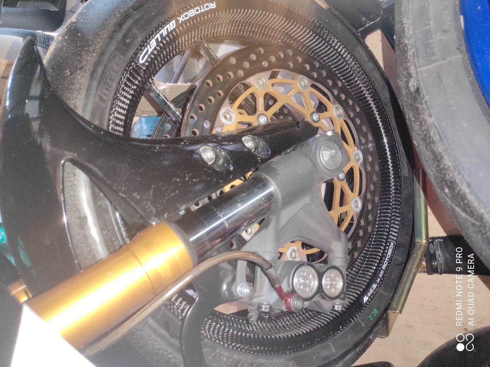 Vends Jantes Rotobox Bullet carbone R1 15 à 21 210613074128190305