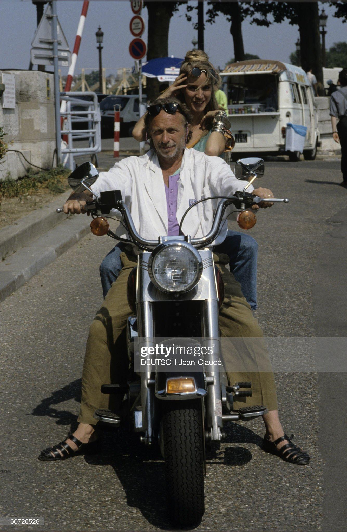 LES CONCERTS DE JOHNNY 'PALAIS DES SPORTS DE PARIS 1982' 210630110120401460