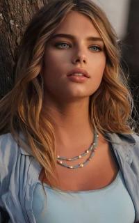 Bella Summers
