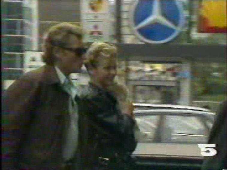 MERCEDES 560 SEC AMG DE JOHNNY HALLYDAY ( 1988 ) 210814025655270183