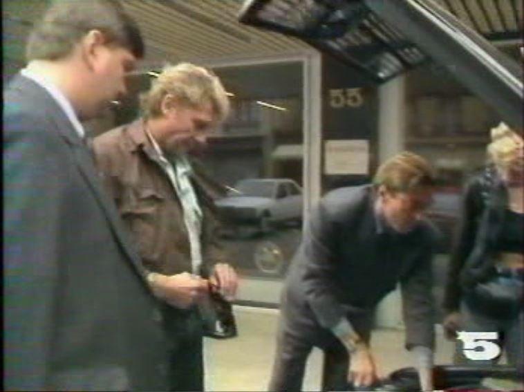 MERCEDES 560 SEC AMG DE JOHNNY HALLYDAY ( 1988 ) 210814031251472962